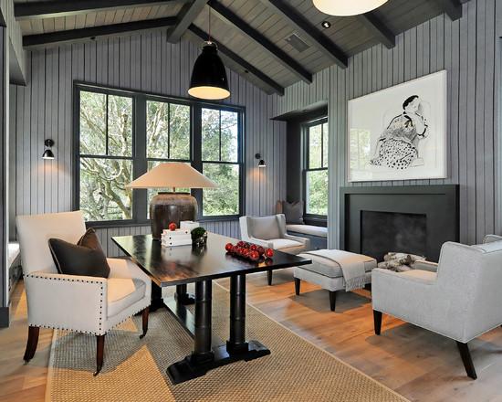 Серый интерьер в загородном доме