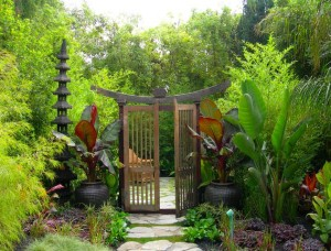 Give-your-garden-a-Oriental-entrance-with-style-galore