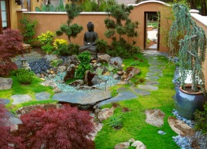 Japanese-Garden-design-blended-with-a-western-touch-and-sporting-a-Buddha-at-its-heart