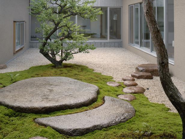 Фитодизайн. Дизайн малых форм. Оригинальные идеи - Страница 3 RX-DK-GDN16803_modern-courtyard_s4x3_lg