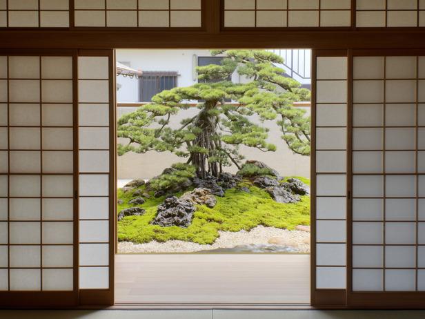 Уголок в японском стиле