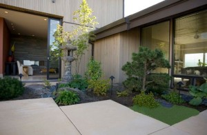 Small-and-compact-Japanese-corner-garden-offers-an-exquisite-and-polished-appearance