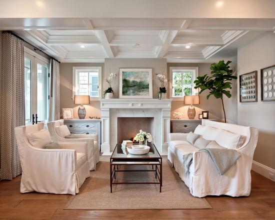 Белая мебель в интерьере маленькой комнаты фото