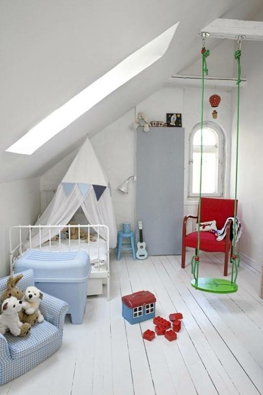 Белая детская комната в деревенском стиле