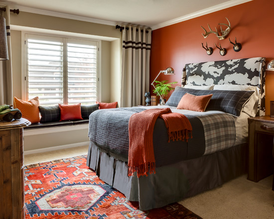 Мужская спальня в темно оранжевых тонах