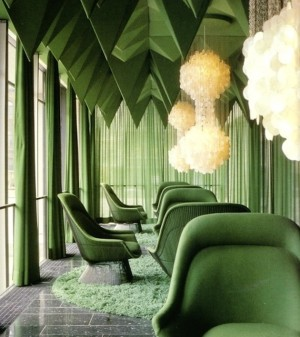 10-Dazzling-Pantone-Emerald-Green-Interior-Ideas-8