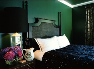 10-Dazzling-Pantone-Emerald-Green-Interior-Ideas-9