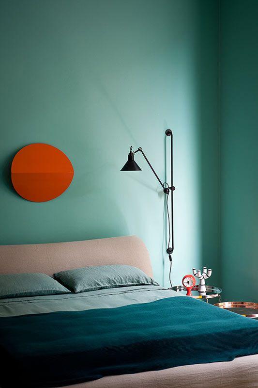 Бирюзовая спальня в стиле минимализм
