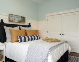 Зелёная спальня — атмосфера спокойствия, подаренная самой природой