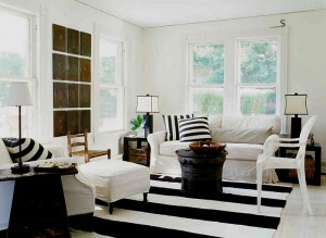 Beach-style-meets-chic-farmhouse-appeal-in-this-cool-black-and-white-living-room