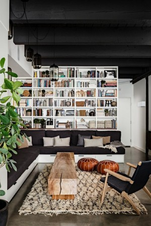 Black-And-White-Living-Room-With-Sectional-Sofa