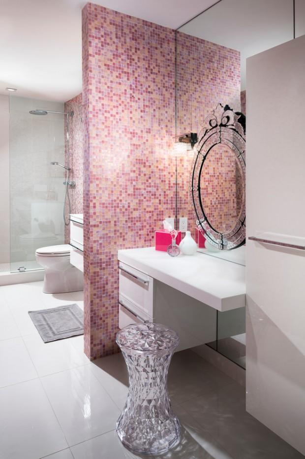 Мозаика розового цвета
