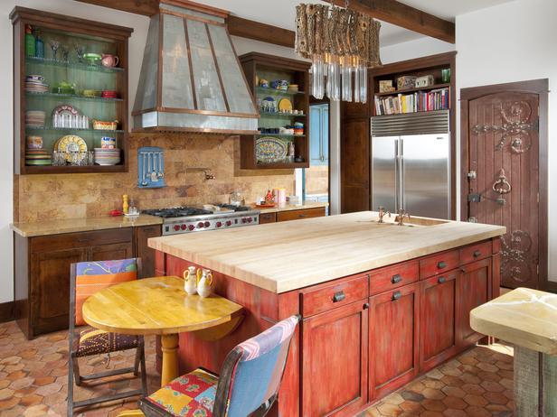 Интерьер ретро кухни красного цвета