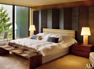 contemporary-bedroom-mlinaric-henry-zervudachi-japan-201010-2_1000-watermarked