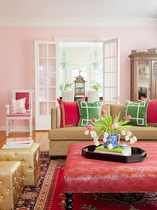 Розовая гостиная в классическом стиле