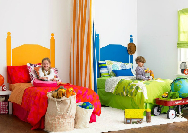 Разделение детской комнаты шторой