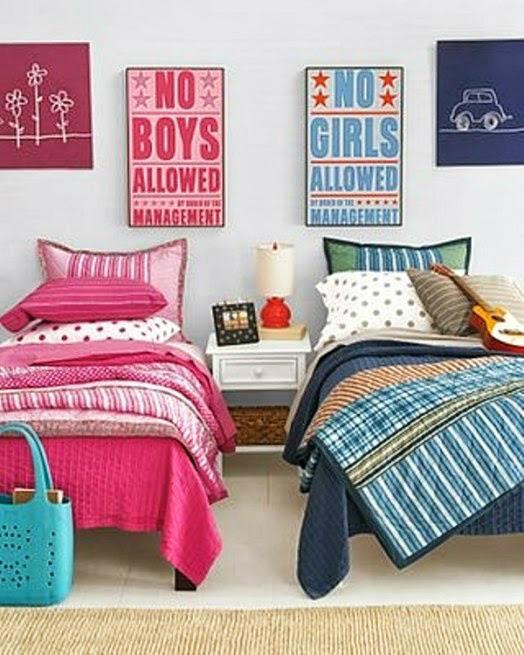 Кровати в детской комнате для мальчика и девочки