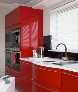 gloss-red-cabinets_300
