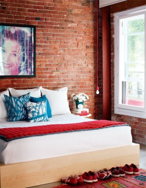 interiors-industrialchic-bedroom