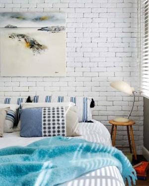 modern-bedroom-design-white-brick-wall-2