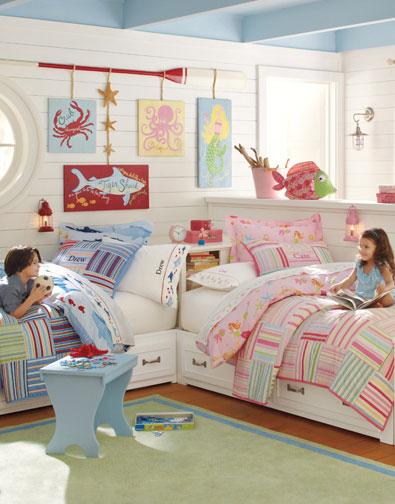 Разный стиль в оформлении спального места