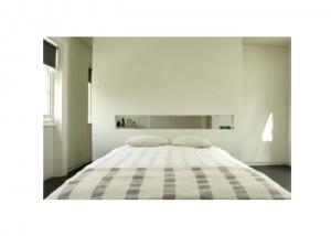 Bedroom-Recessed-Shelving-in-London-Remodelista