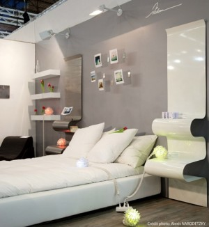 Shelves-above-the-bed-and-headboard-with-shelves-4