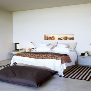 South-Africa-Bedroom-Recessed-Shelving-Remodelista