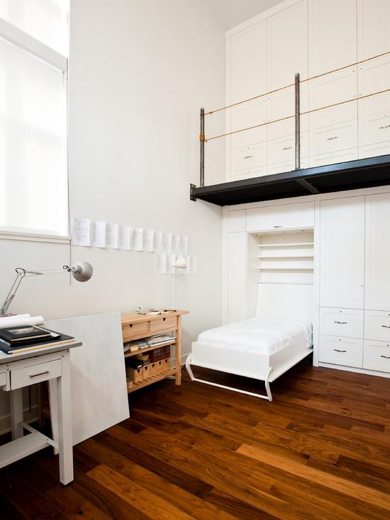 Кровать конструктор в небольшой гостиной