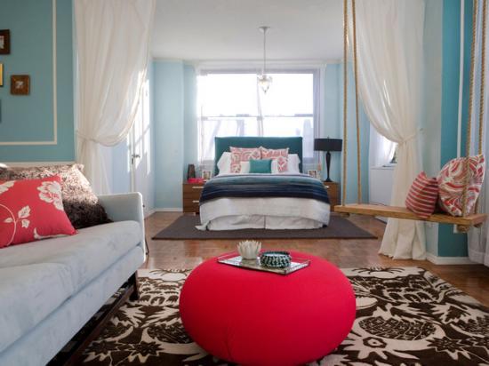 Кровать как изюминка оформления гостиной