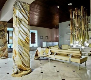 modern-interior-design-decorating-with-columns-35