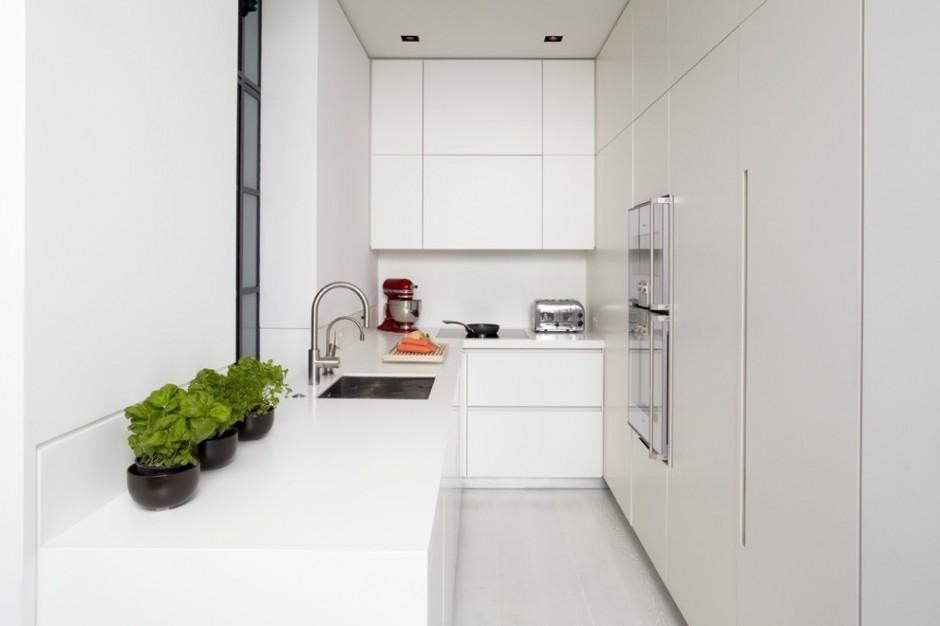 Узкая кухня в стиле минимализм