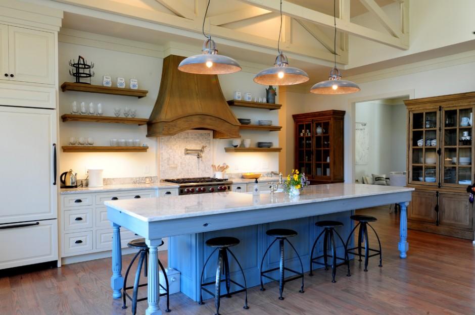 Синяя основа для островка на кухне