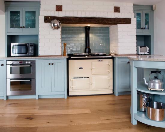 Голубая кухня в классическом стиле