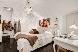 12-White-bedroom