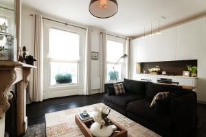 2-Black-white-living-room
