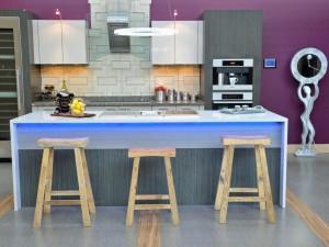 DP_Christine-Jones-modern-purple-kitchen_s4x3.jpg.rend.hgtvcom.1280.960