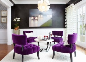 Stunning-room-in-black-and-white-with-purple-chairs-for-an-extravagant-look (1)