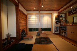 asian-family-room (1)