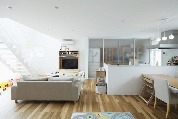 гостиная в японском стиле в светлых тонах