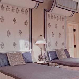 purple-paint-modern-wallpaper-interior-colors-5