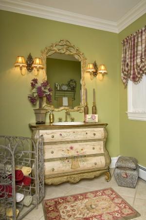 traditional-powder-room