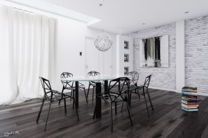 13-Black-and-white-dining-room