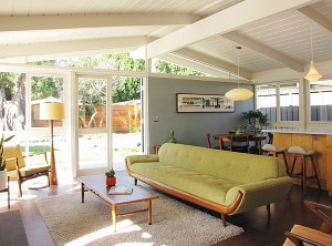 Cool-interior-borrows-heavily-from-a-Midcentury-style