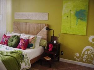 RMS-koolbeans_green-bedroom_s4x3.jpg.rend.hgtvcom.1280.960