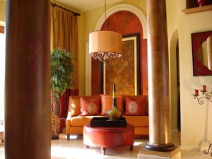 RMS-wallscouture_formal-room-with-warm-tones-columns_s4x3.jpg.rend.hgtvcom.1280.960