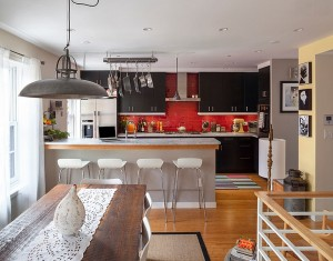 Red-is-one-of-the-most-popular-kitchen-backsplash-colors