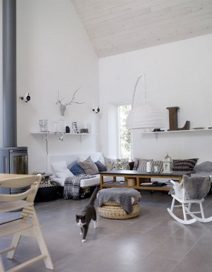 Scandinavian-Interiors-Grey-Blue-Textiles