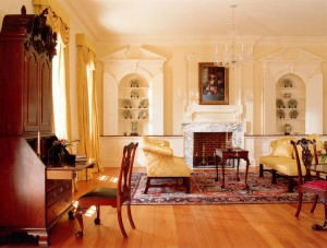 antiques-sitting-room