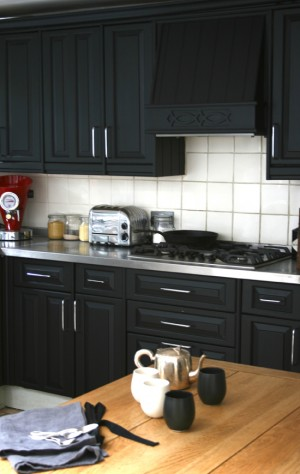 black-kitchen-from-bodie-and-fou-blog1